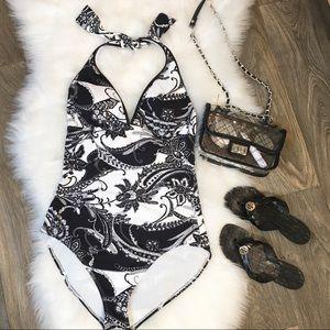 Tommy Bahama Black/White Paisley Swimsuit 👙